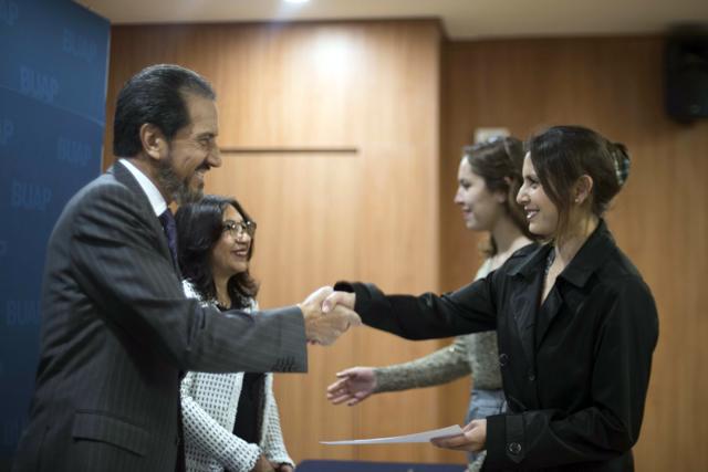 Alfonso Esparza reconoció a ganadores del Lobotorneo BUAP