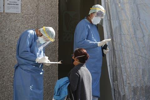 Coronavirus sigue afectando más a los poblanos de 40 a 50 años