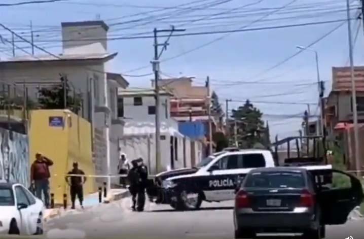 VIDEO Mujer muere en taxi ejecutivo en Puebla; podría ser Covid