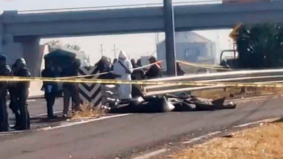 CJNG asesina y embolsa a policías municipales en Villagrán