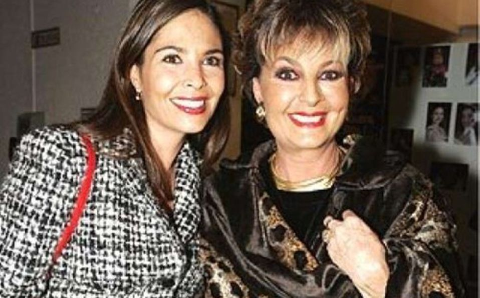 Celebra sus 77 años Talina Fernández