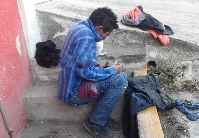 Policías de Puebla avientan a río a joven detenido por andar borracho