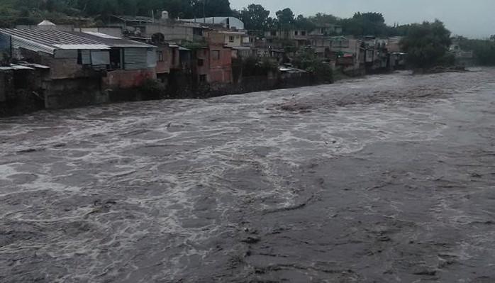 Casi 300 viviendas, en riesgo por lluvias en Izúcar