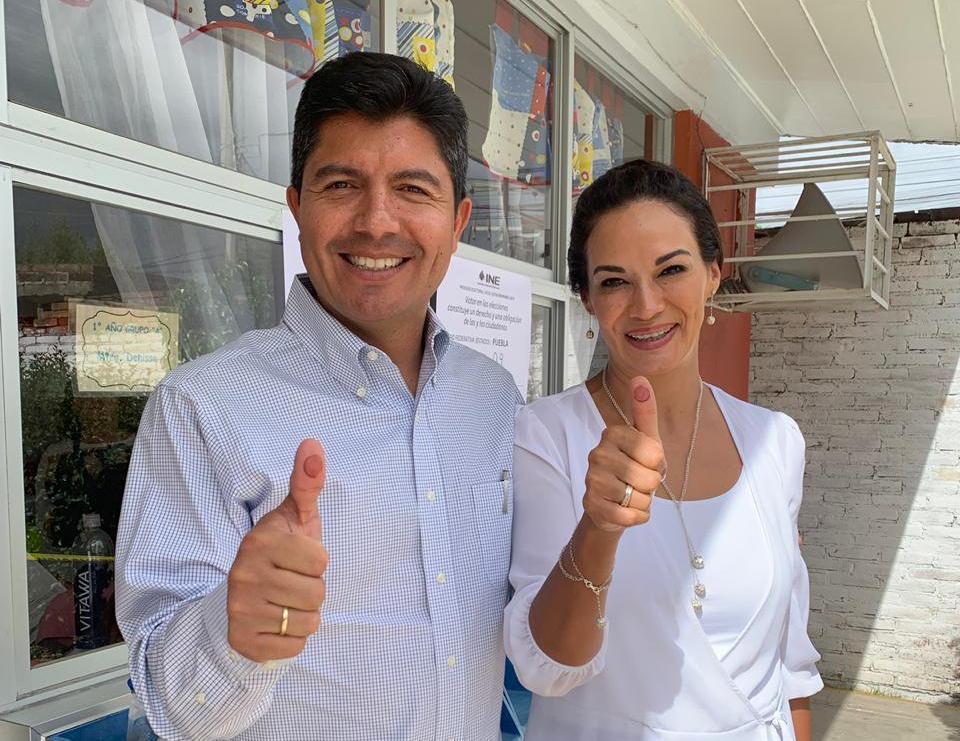 Encañonan y asaltan a esposa del ex edil de Puebla Eduardo Rivera
