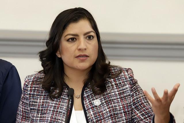 Claudia Rivera alista denuncia contra regidores por delito de extorsión