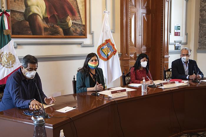 Claudia Rivera acuerda trabajar con empresarios la reactivación económica