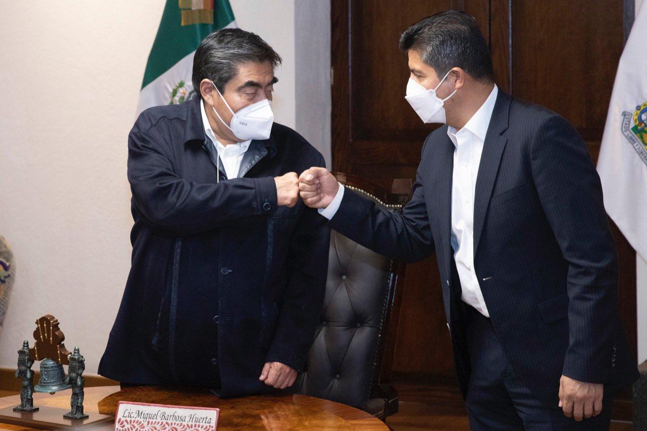Economía, seguridad y bacheo, temas en reunión Rivera- Barbosa
