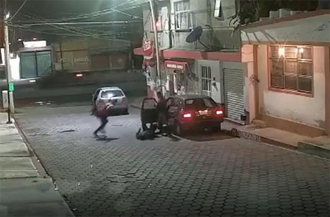 VIDEO Así lo golpearon para robarle su auto en San Andrés