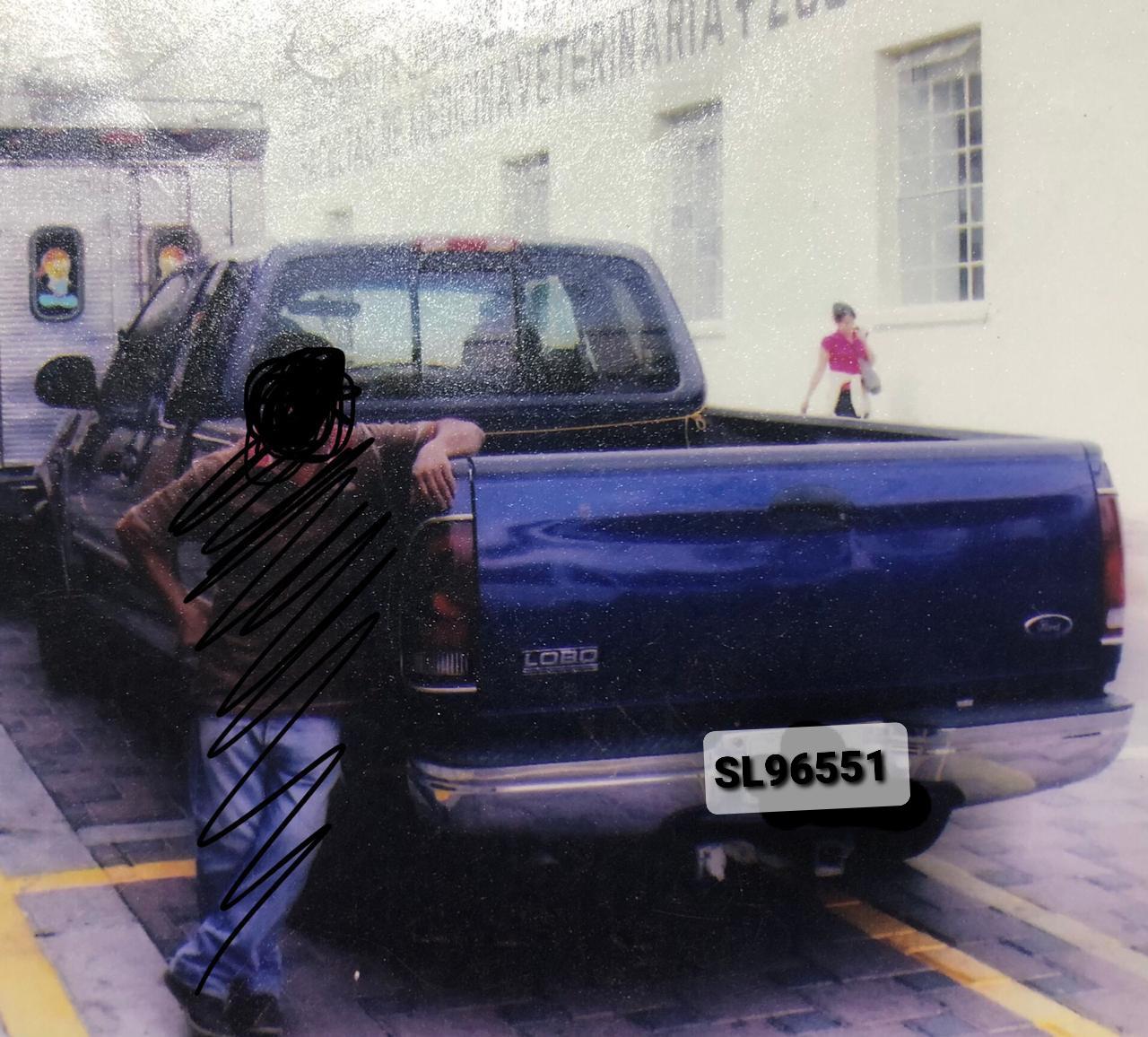 Roban camioneta de comerciante mientras ofrecía juguetes en Tecamachalco