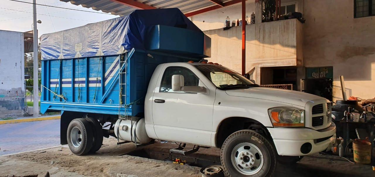 Roban con violencia camioneta cargada de plátanos en Huixcolotla