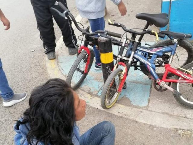 Retienen y golpean a ladrona de bicicletas en la Romero Vargas