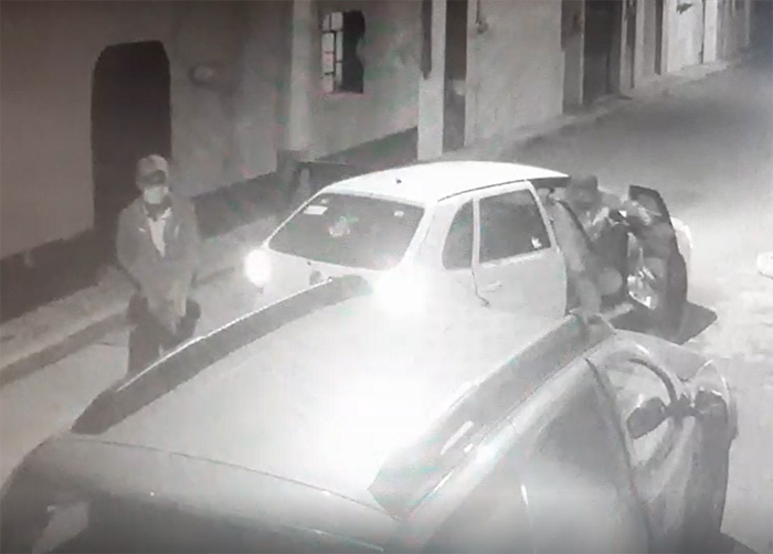 VIDEO Así encañonan a conductor y le roban su camioneta en Texmelucan