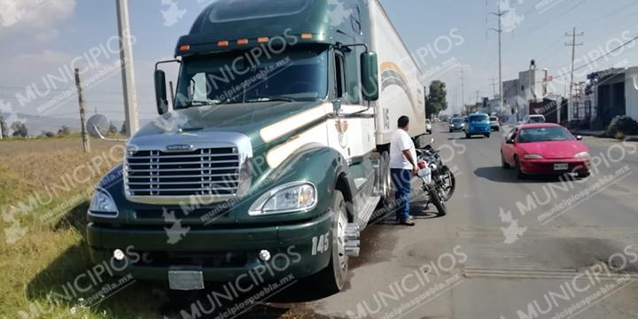 Policías recuperan camión robado en Huejotzingo