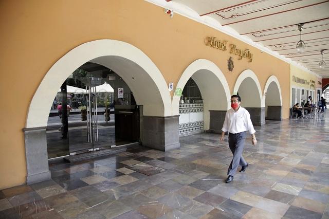 Por Covid cierra el histórico Hotel Royalty del zócalo de Puebla