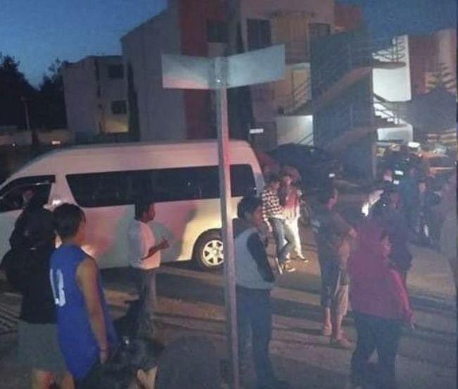 Chofer de ruta 3 retiene a pasajeros por no pagar aumento a tarifa