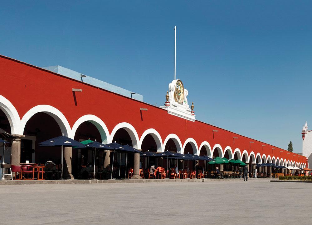 Restaurantes en San Pedro Cholula reinician labores al 30% de capacidad