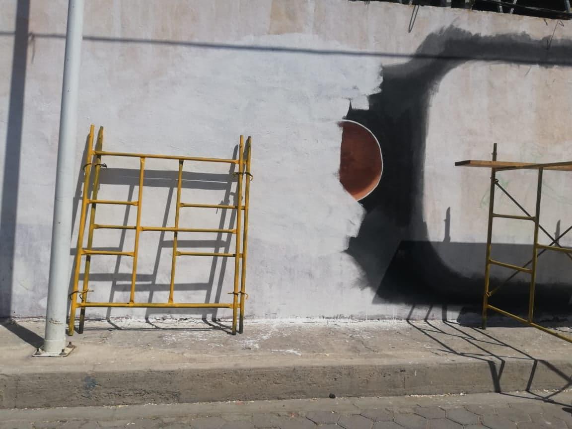 Edil de Miahuatlán borra mural de arte urbano al considerarlo vandálico