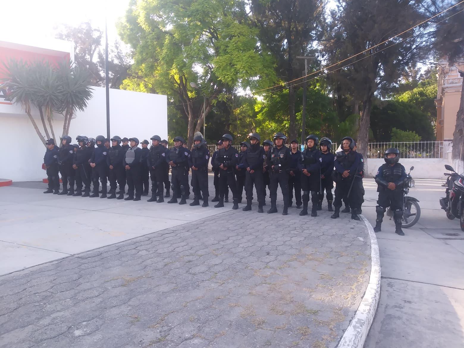 Hay solo 59 policías para cuidar a 45 mil personas en Tetitzintla