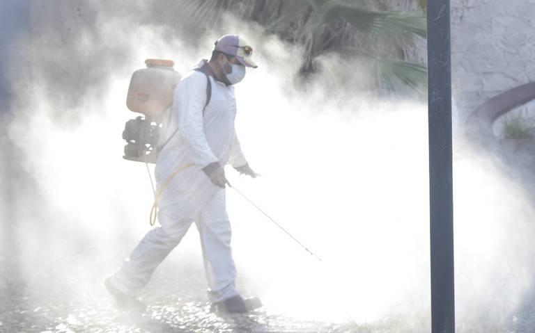 Comerciantes se organizan y pagan sanitización de calles en Izúcar