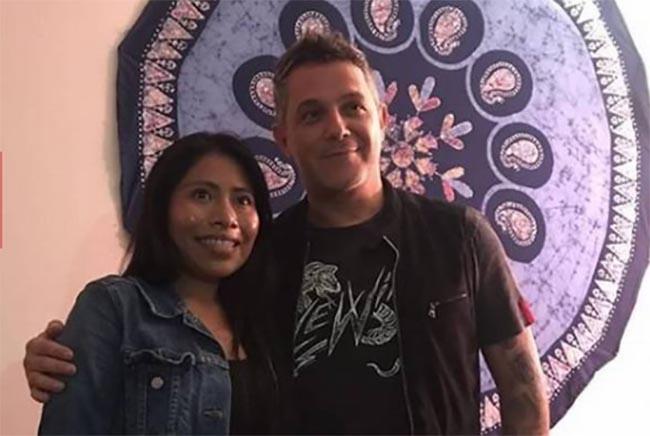 Yalitza Aparicio pasa desapercibida para Alejandro Sanz en su concierto en Puebla