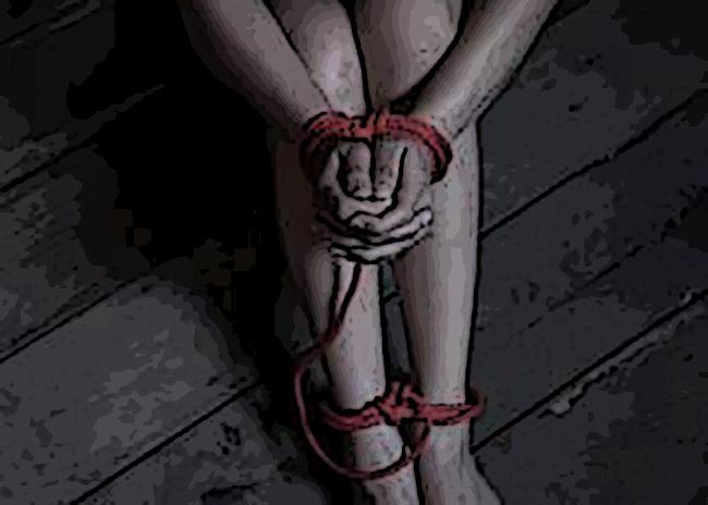 Generan pánico mensajes en redes sociales de secuestros de mujeres en la Mixteca poblana