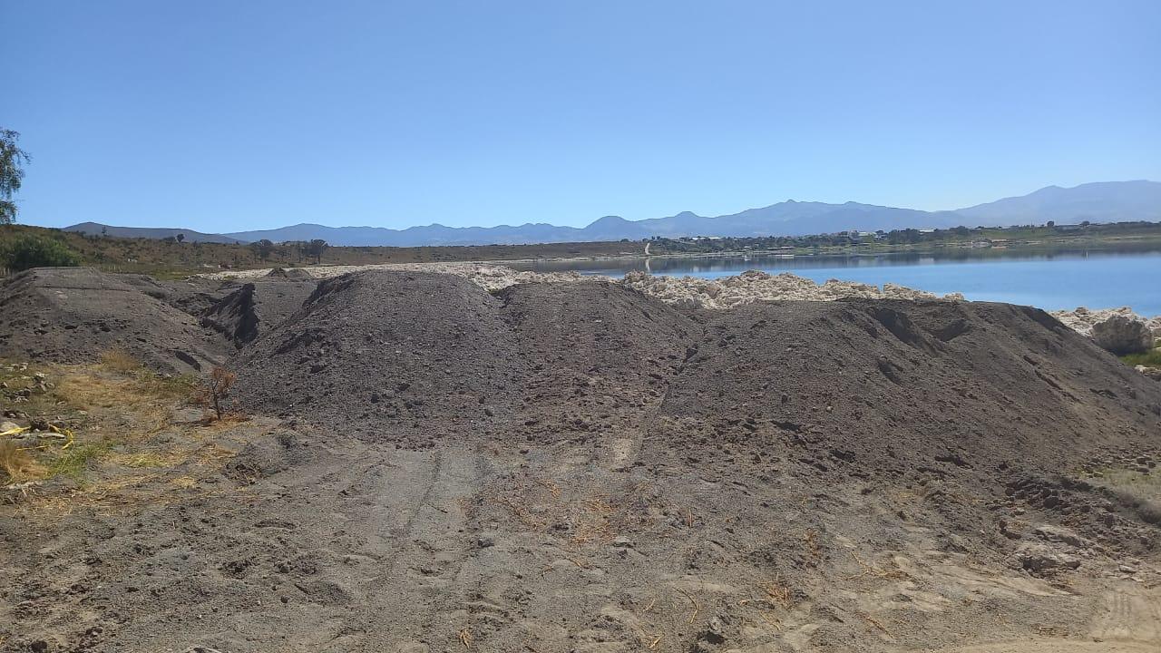 Frena Medio Ambiente operación de maquinaria en la Laguna de Alchichica