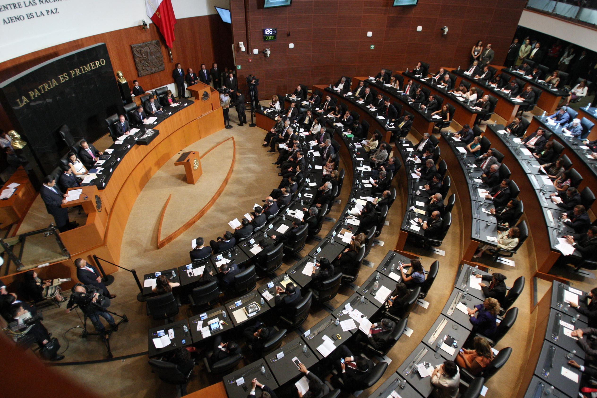 Dejan diputados congelada la discusión sobre outsourcing