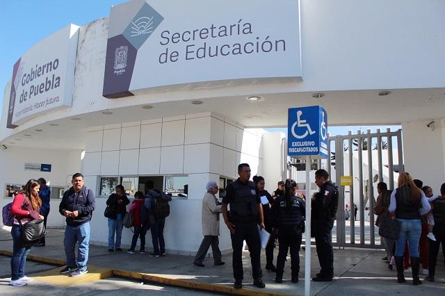 Más de 100 maestros poblanos, con sueldos de más de 60 mil pesos