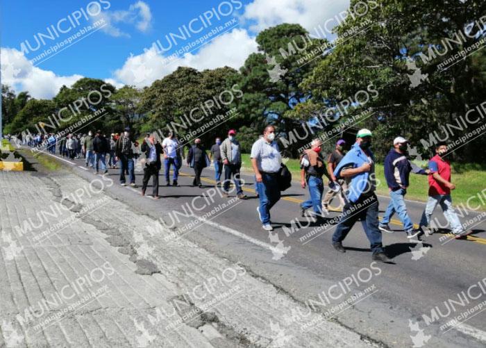 Integrantes del SME bloquean la federal México-Tuxpan
