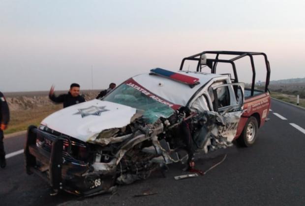 Muere policía prensado en choque contra camión en la Cuacnopalan-Oaxaca
