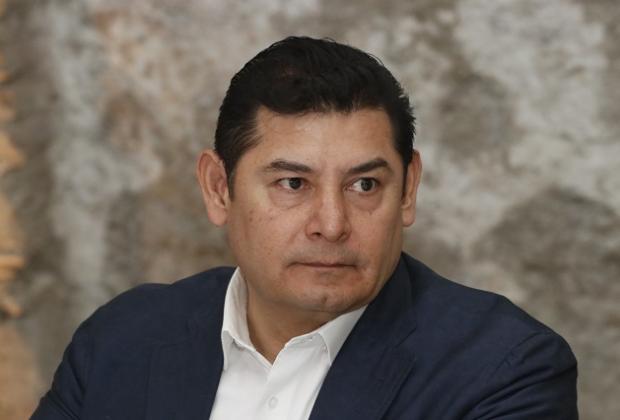 Exhiben a Armenta ofreciendo candidaturas de Fuerza por México
