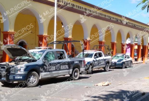 Rocían ácido a mujer policía y golpean a director de Seguridad en Altepexi