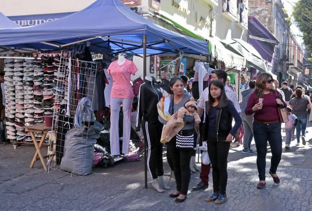 Tres mil ambulantes desbordan el Centro de Puebla: Canaco