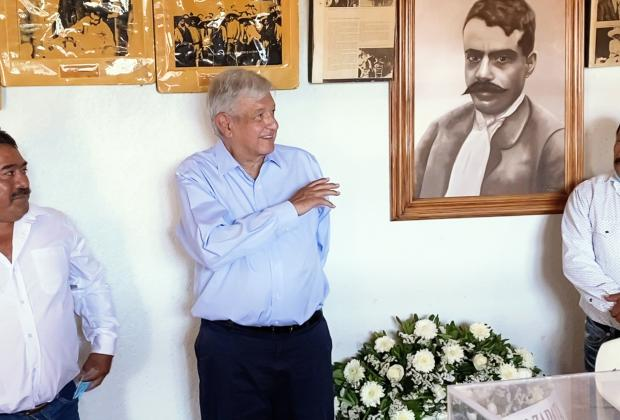 López Obrador realiza visita relámpago a Huehuetlán e Izúcar