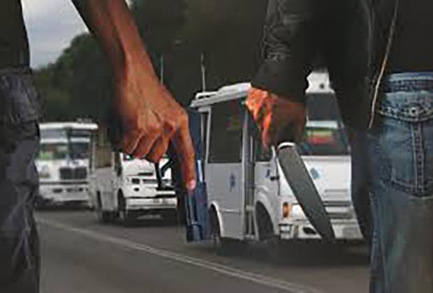 Asaltan ruta 45-A frente a Zona Militar, en Puebla; es el tercer atraco del día al transporte