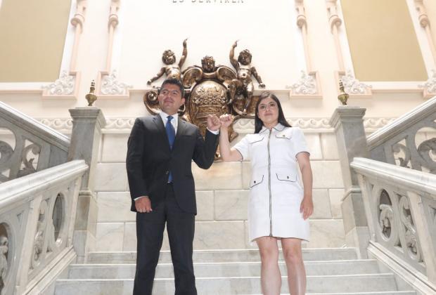 Realizan primera reunión entre Claudia Rivera y Eduardo Rivera