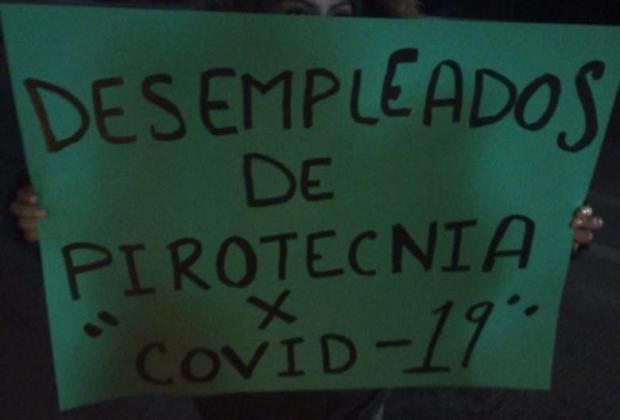 Artesanos de pirotecnia desempleados toman casetas del Arco Norte con sentido a Texmelucan