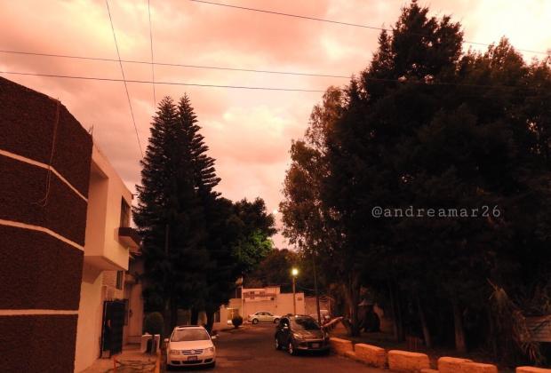 GALERÍA Sorprende atardecer anaranjado en Puebla
