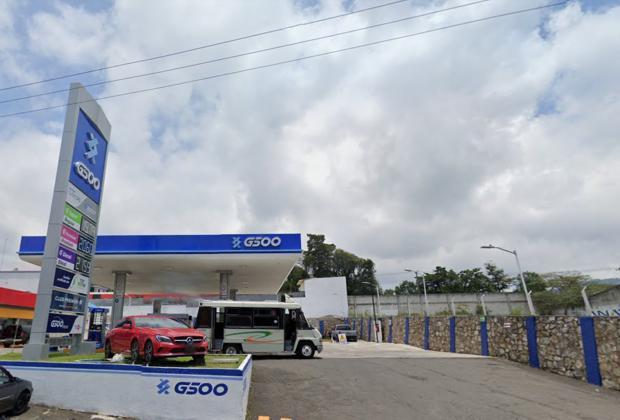 Corren a empleados de gasolinera vinculados al coordinador de Limpia de Huauchinango