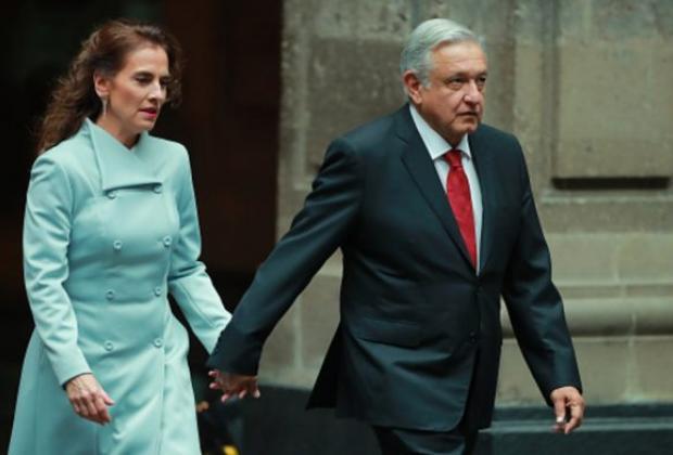 VIDEO AMLO vuelve tendencia a Beatriz Gutiérrez como zopilota