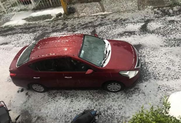 Fuerte granizada pone blanca a Puebla capital