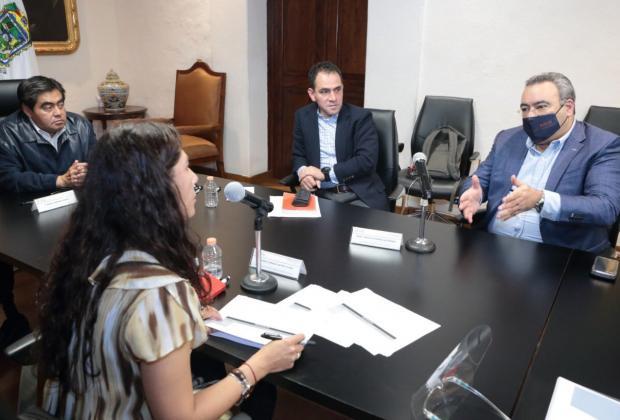 Acuerdan Barbosa y SHCP partida de 500 mdp para escuelas y municipios