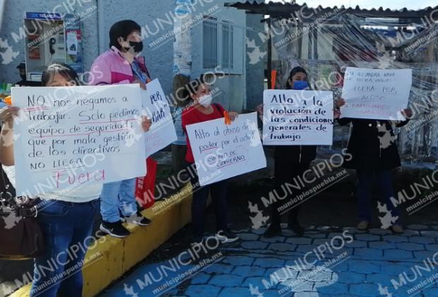 Trabajadores del ISSSTE Huauchinango piden destitución del director
