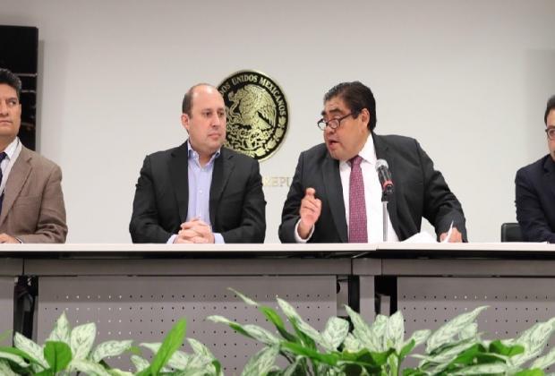 Ex funcionarios de Barbosa buscan desacreditarlo con campaña negra