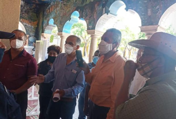 Exigen colonos de Tehuacán audiencia con el alcalde para que atienda carencias