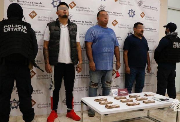 Transportaban casi medio millón de pesos por la Puebla-Orizaba