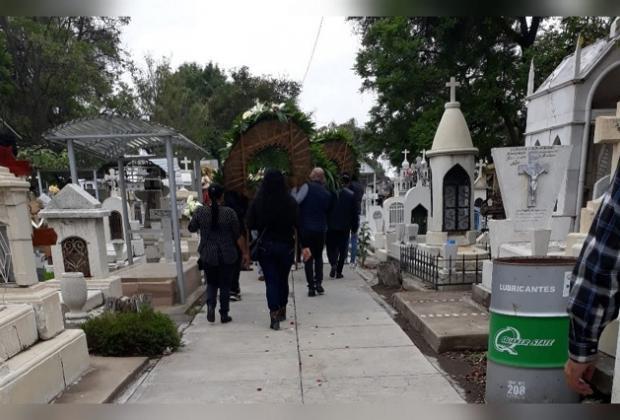 Ayuntamiento de Puebla no permitirá apertura de panteones por Día de Muertos