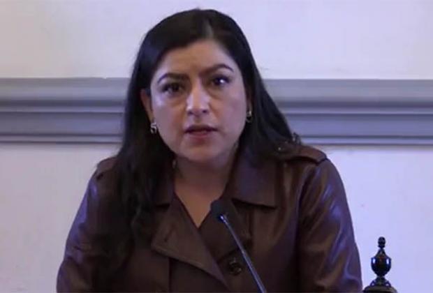 Pide Claudia Rivera no distraerse con la elección de este año