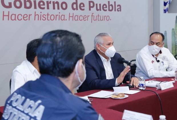 Pactan estado y policías aumento salarial del 14%