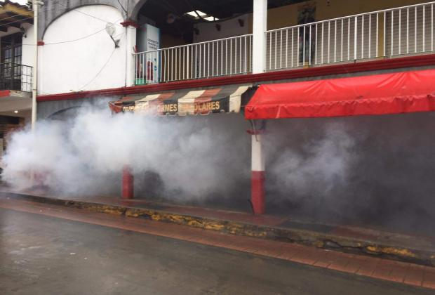 Por tercer domingo fumigan calles de Tetela contra Covid